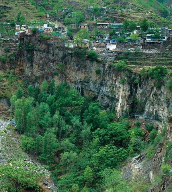 悬崖上的村庄——富合村介绍